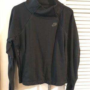 Cute black nike sweatshirt